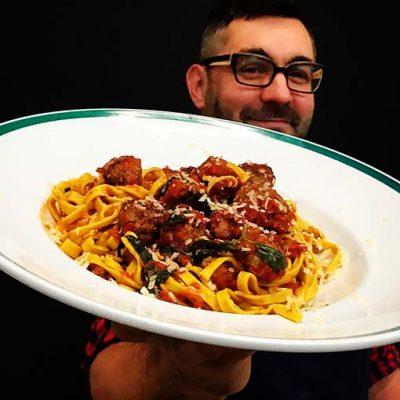 Tallarines con estofado y Cavatelli con pesto | Juan Braceli