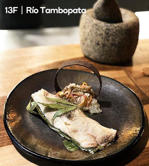 restaurante-13-fronteras-rio-tambopata