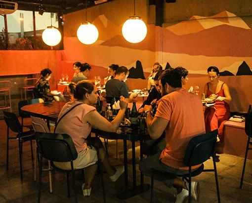 comida-plana-based-en-buenos-aires-restaurante-anfibio
