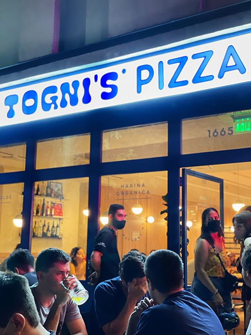 tognis-pizza-local