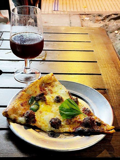 tognis-pizza-albondigas