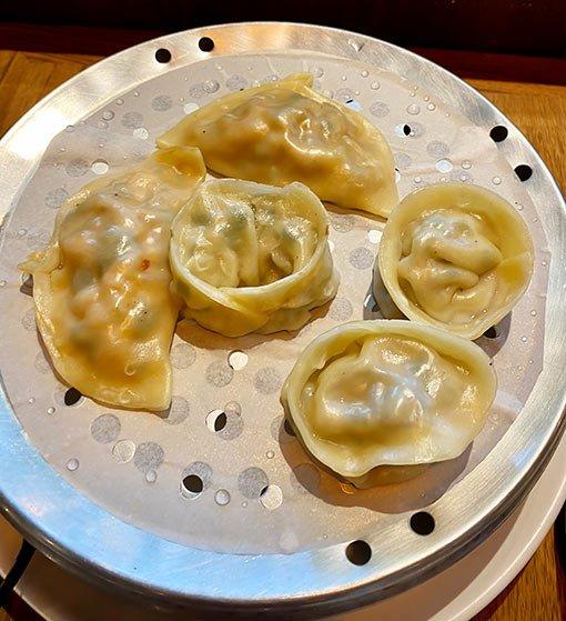 Una Canción Coreana, dumplings